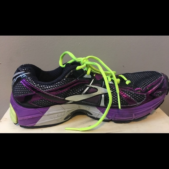 5e0dbd18fdb Brooks Shoes - Brooks Ravenna women s running shoe size 9